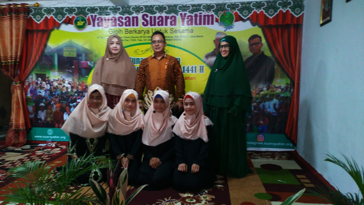 Silaturahmi Bpk. Sutejo dan Istri ke Yayasan Suara Yatim