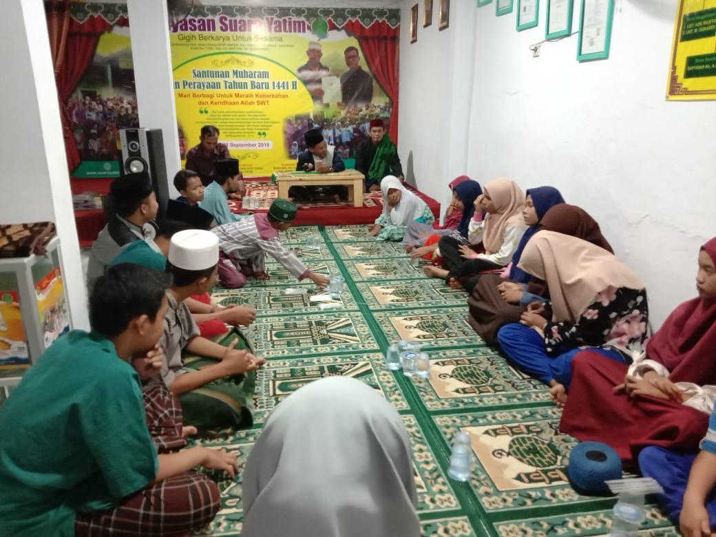 Do'a Bersama Pengurus Yayasan Dengan Anak-anak Yatim : Pertama di Wisma Surya Hari ini Jum'at, 04 Okt. 2019