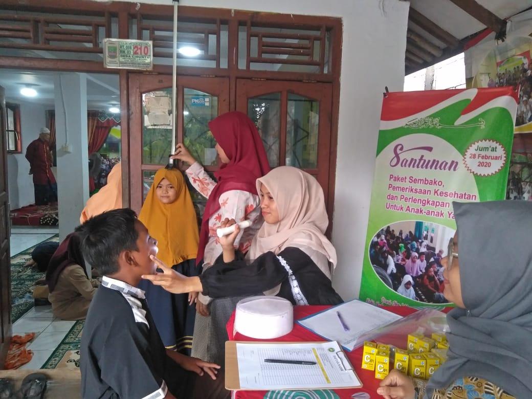 Santunan, Pemeriksaan Kesehatan, Paket Sembako dan Perlengkapan Mandi Untuk Anak-anak Yatim